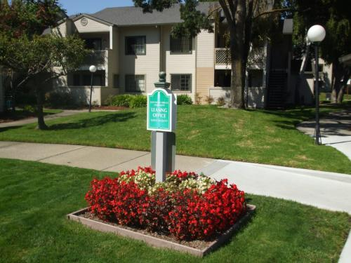 Huntwood Terrace Apartments