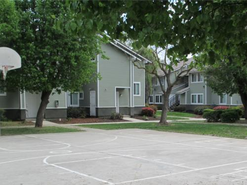 Riverland Apartments